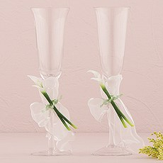 Calla Lily Wedding Champagne Glasses