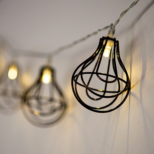 String of Lights with Light Bulb Wire Cage - Battery LED - Confetti.co.uk