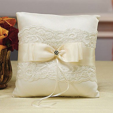 Beverly Clark French Lace Collection Ring Pillow