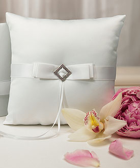 Ceremony Accessory Ring Pillow in White Elegance