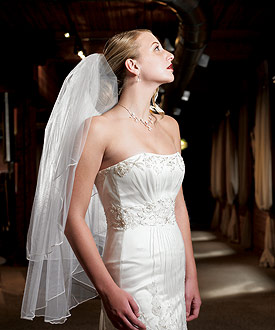 Continuous Pearl Edge Bridal Veil